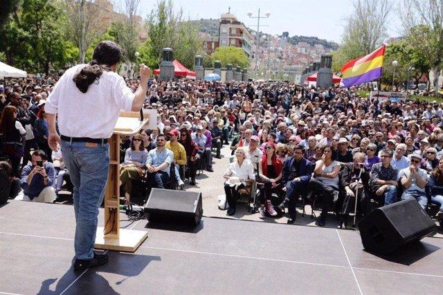 """VÍDEO: Av.- 26M.- Iglesias afirma que l'exemple de Colau """"omple d'energia"""" per negociar un govern"""