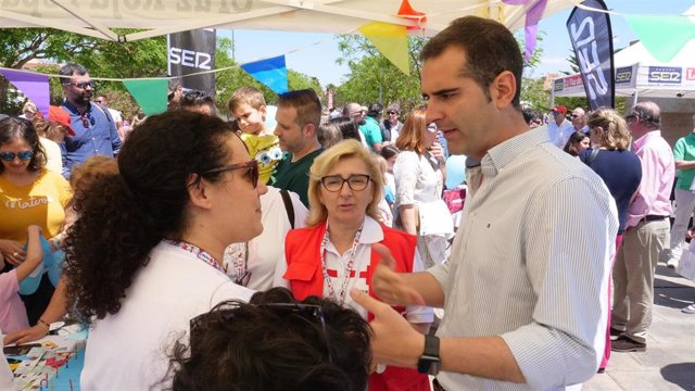 """Almería.- 26M.- Fernández-Pacheco valora que Almería tiene """"la suerte de contar con familias muy diversas"""""""