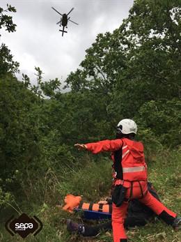 Sucesos- Evacuada una excursionista que sufrió una caída mientras hacía una ruta en Cabrales
