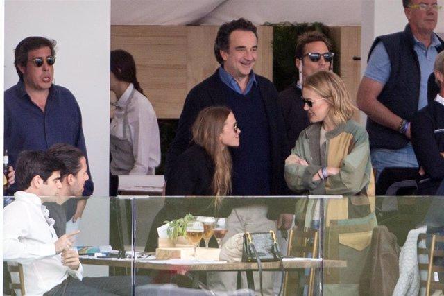 Mar Flores y Elías Sacal o Mary-Kate Olsen con Sarkozy, derroche de amor en la hípica madrileña