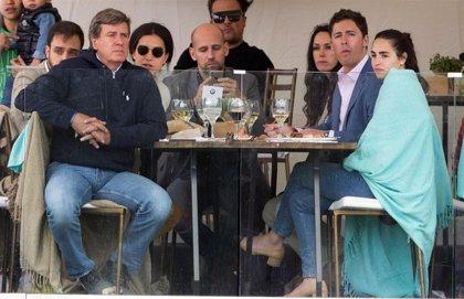 Exclusiva: El tenso encuentro entre Gonzalo Miró y Cayetano Martínez de Irujo con final feliz