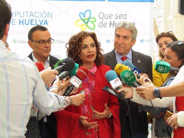 """Montero sobre donaciones de Amancio Ortega: """"No es incompatible fiscalidad justa con donaciones a servicios públicos"""""""