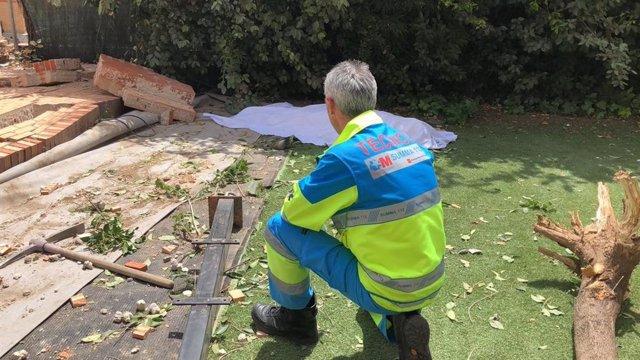 Sucesos.- Muere un hombre de 51 años mientras trabajaba al caerle un muro que separaba dos chalets en Paracuellos