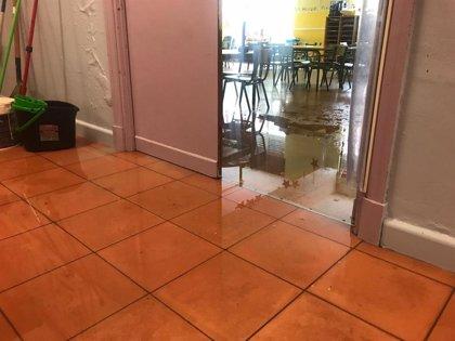Inundaciones en los colegios Cisneros y Antonio Mendoza dejan sin clase a cientos de alumnos