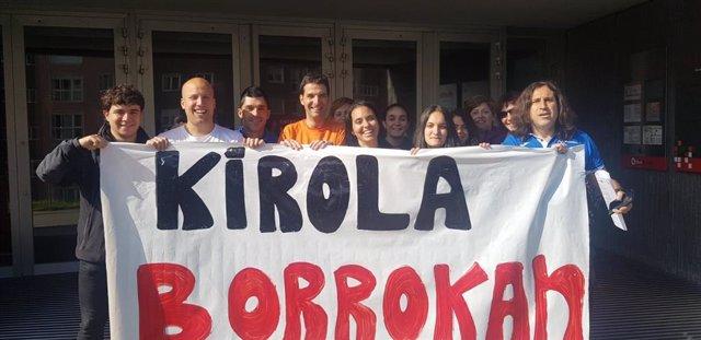 Trabajadores de locales y campos deportivos de Bizkaia realizan su primera jornada de paros parciales