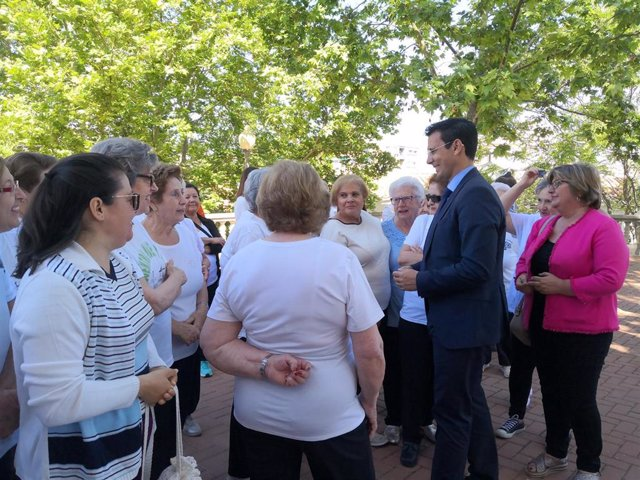 Granada.- Más de mil personas han participado este curso en las actividades del Ayuntamiento en el distrito Genil