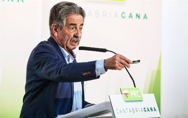 """Revilla """"no regalará nada"""" a Sánchez y pide conexión ferroviaria con Madrid y un estudio del tren Bilbao-Santander"""