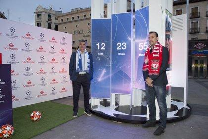 Juande Ramos y Josemi inauguran el reloj de cuenta atrás de Santander para la final de Champions