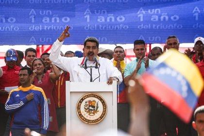 """Maduro defiende la """"elección soberana"""" a un año de su reelección en favor de la """"paz y la democracia"""""""