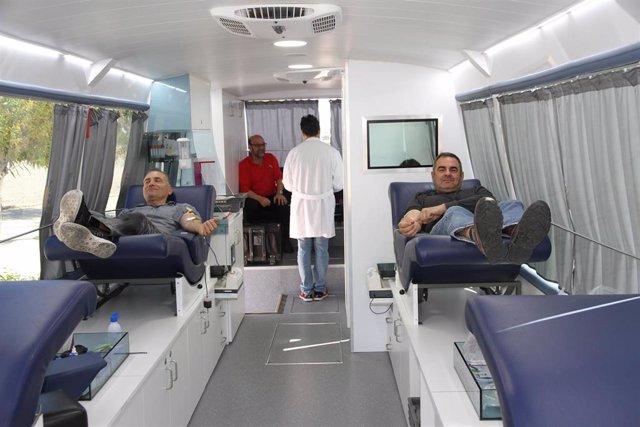 Los trabajadores de Endesa de Sant Joan de Déu y Alcúdia participan en la campaña de donación de sangre de la Fbstib
