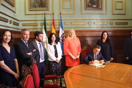 El presidente de Honduras visita Motril (España) para buscar inversores y ofrecer mano de obra a los empresarios