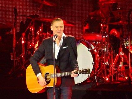 Bryan Adams amplía su gira española con conciertos en Murcia y Sevilla