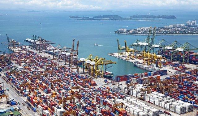 Economía.- Andalucía registra un superávit de 583 millones en el primer trimestre y alcanza 8.311 en exportaciones