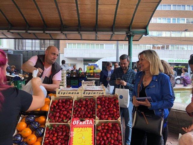 26M.- Del Olmo Insiste En Mejorar El Comercio Con Más Aparcamiento En Los Barrios Y Sin Cortes En El Centro