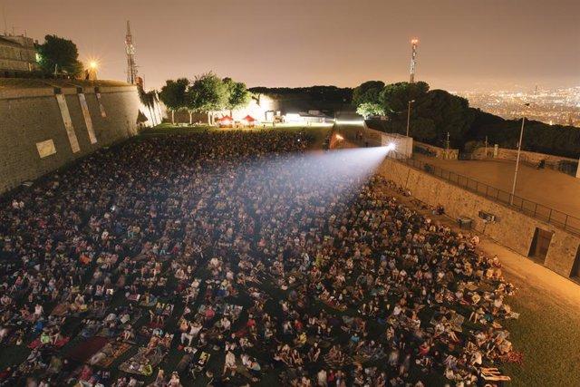 La Sala Monntjuïc torna aquest estiu amb 16 nits de música i cinema as Castell de Montjuïc