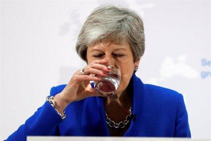 May accede a preguntar al Parlamento sobre un segundo referéndum y la unión aduanera para salvar el Brexit