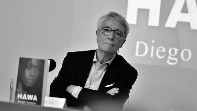"""Diego Armario debate sobre la """"viabilidad de las religiones que inspiran violencia"""" en su nueva novela, 'Hawa'"""