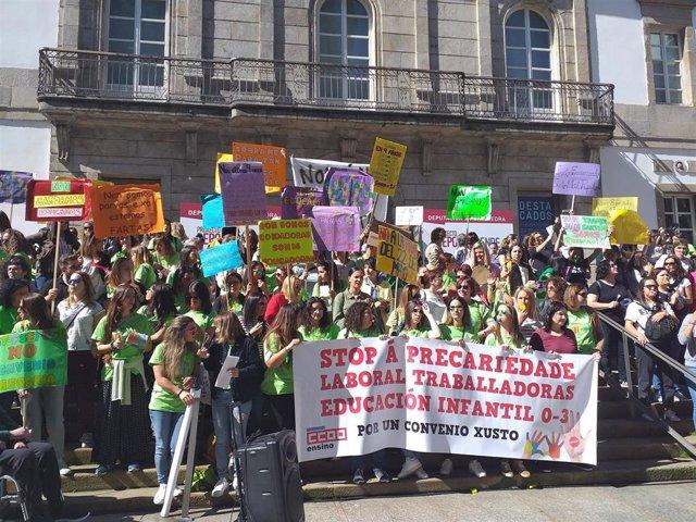 Más de 200 educadoras infantiles se concentran en Vigo en la jornada de huelga por un convenio digno