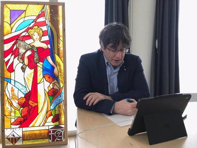 """Puigdemont defensa que el Govern ha de complir el seu mandat: """"JxCat no ho trair"""""""