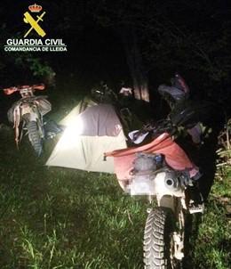 La Guardia Civil denuncia una acampada ilegal en el Parc Natural de l'Alt Pirineu (Lleida)