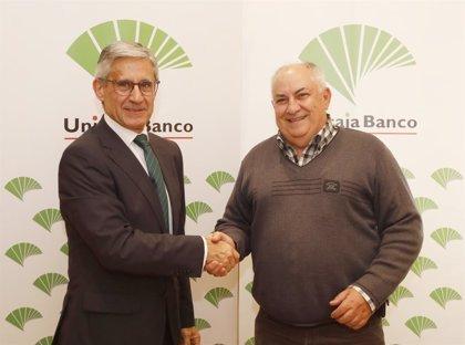 Unicaja Banco facilita el crédito a los protésicos dentales de Castilla y León