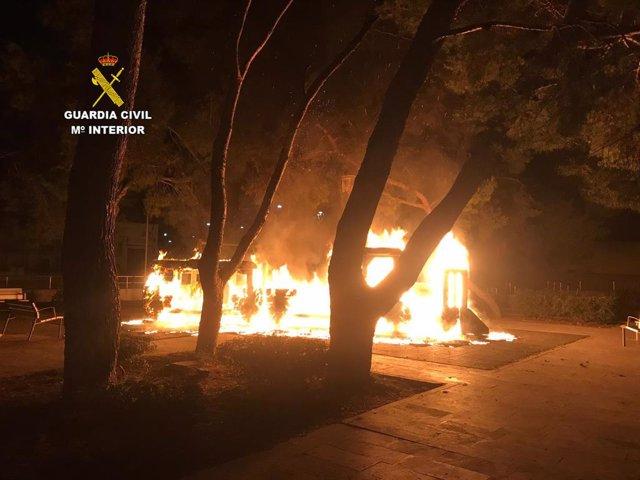 Sucesos.- Detenido por provocar un incendio en un parque infantil y robar en dos restaurantes de Inca