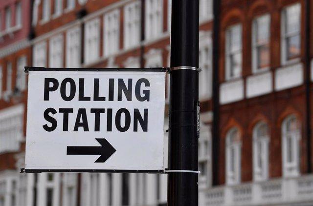 UE.- Reino Unido vota este jueves en las elecciones que el Brexit habría evitado