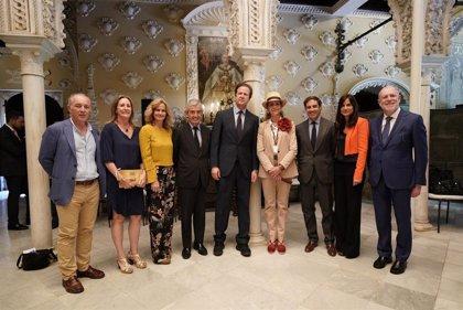 Fundaciones Alalá y Mapfre celebran en Sevilla un desfile de alta costura con ropa reciclada por mujeres de Las Tres Mil