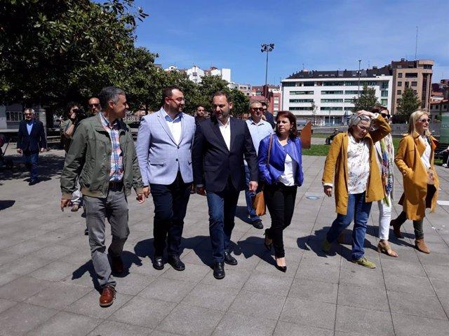 """Ampl.- Ábalos afirma que """"en absoluto"""" se está dilatando por motivos electoralistas la decisión sobre políticos presos"""