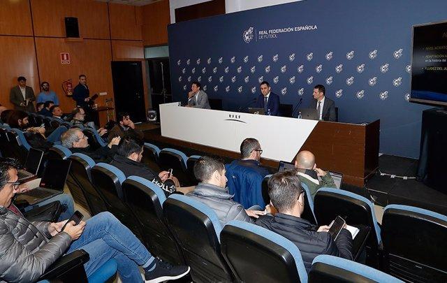 Fútbol.- El Comité Técnico de Árbitros hace balance este miércoles de la temporada en LaLiga Santander