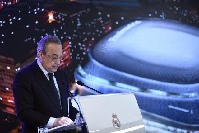 Presentación de la reforma del estadio Santiago Bernabéu con el presidente del Real Madrid, Florentino Pérez y la alcandesa de Madrid, Manuela Carmena