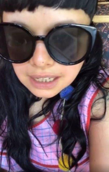 Echan de un restaurante a la cantante mexicana Amandititita por ir vestida con un delantal