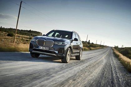 BMW incorpora un nuevo motor de gasolina de 8 cilindros con 530 caballos en los X5 y X7