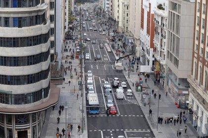 La Gran Vía de Madrid, la calle comercial más transitada de España y la tercera de Europa, según un estudio
