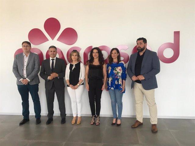 Jaén.- La consejera de Igualdad conoce en Geolit los servicios centrales y de I+D+i de la cooperativa Macrosad