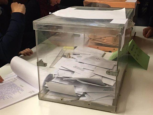 Dotze partits presenten candidatura a les eleccions autonmiques a Cantbria