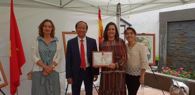 Embajada de Vietnam reconoce a la Fundación Jiménez Díaz por su labor sanitaria y de apoyo a hijos adoptivos vietnamitas