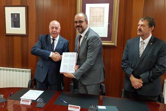 Govern i Conselh d'Aran oficialitzen l'acord de collaboració en el trasps de serveis d'emergncies