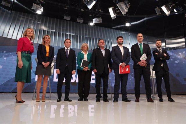 """26M.- Carmena pide que para los debates haya una pantalla para proyectar datos frente al """"infantilismo"""" de carteles"""