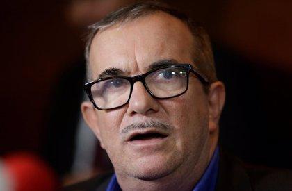 El líder de la FARC reafirma su compromiso con el proceso de paz y condena el rechazo a la entrega de armas