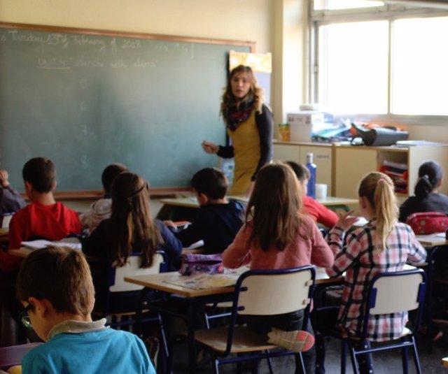 Educación plantea mantener 25 horas lectivas para los maestros y reducirlas a 18 en secundaria en dos cursos