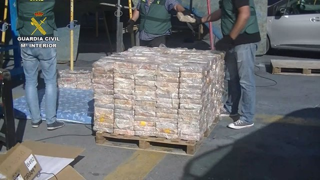 Sucesos.- Interceptan en el sur de la península un velero cargado con 600 kilos de cocaína que se dirigía a Baleares