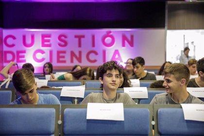 Bayer inicia 'Cuestión de ciencia' para llamar a la ciencia a jóvenes en materia de salud y alimentación