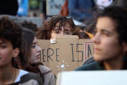 El movimiento 'Fridays for Future' protesta en más de 50 ciudades españolas contra el cambio climático