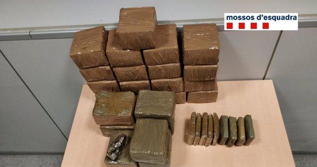 Successos.- A presó dos homes per tenir 23 quilos de droga en un vehicle a Rubí (Barcelona)