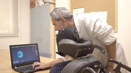 Una técnica de neuroestimulación no invasiva, efectiva en estado alterado de la consciencia
