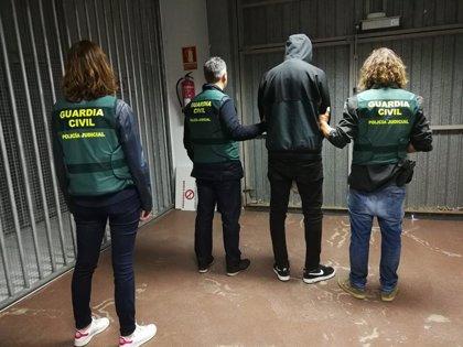 Pasa a disposición judicial tras ser detenido en Colombia el presunto autor de la muerte de un joven en Ordes (España)