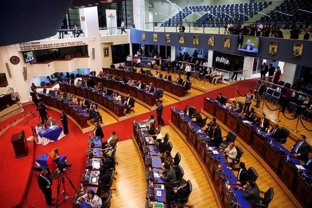 El Salvador.- El Congreso da marcha atrás y se prepara para presentar un nuevo proyecto de ley de reconciliación