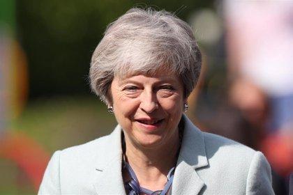 Expectación en Reino Unido ante el posible anuncio por May de la fecha de su salida