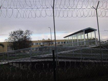 Dos trabajadoras de la cárcel de Asturias, agredidas por una interna